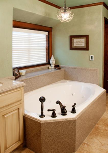 Tub with spray granite
